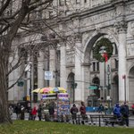 Image for the Tweet beginning: The Rockefeller Center Christmas Tree
