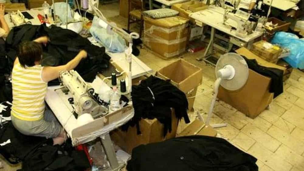 Lavoratori in nero nel capannone abusivo: sigilli ...