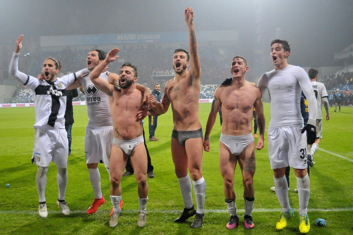 Soccer player orgy video — pic 9