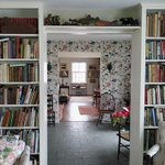 Image for the Tweet beginning: 12 Home Library Ideas And