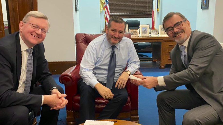 """Embassy of Brazil in the USA 🇧🇷 on Twitter: """"Brazil's Chargé d'Affaires  Ambassador Nestor Forster and the President of the Brazilian Space Agency  Carlos Moura @AEBdoBrasil met with Senator @TedCruz today at"""