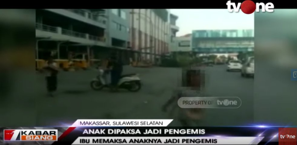 Seorang Anak di Makassar Dipaksa Mengemis Untuk Bayar Arisan Ibunya, Korban Juga Disiksa http://ow.ly/Thsk50xso9XSaksikan video berita lain di youtube channel tvOneNews #tvOneNews