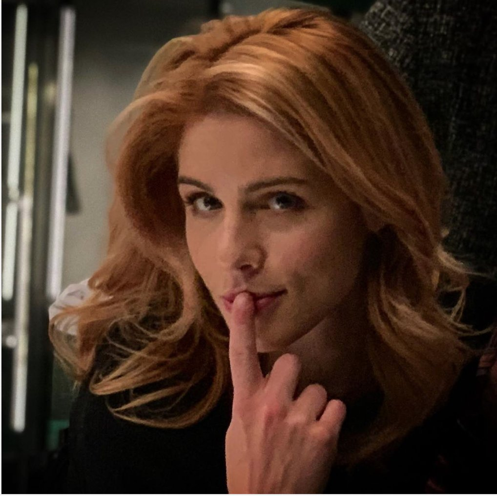 """I've never forgotten this quote by Wendy Mericle- """"...and everyone kind of fights to get to write the Felicity scenes. ...she's a favorite of everyone"""" Felicity Smoak DCTV Queen <br>http://pic.twitter.com/SgZDK4UFSm"""