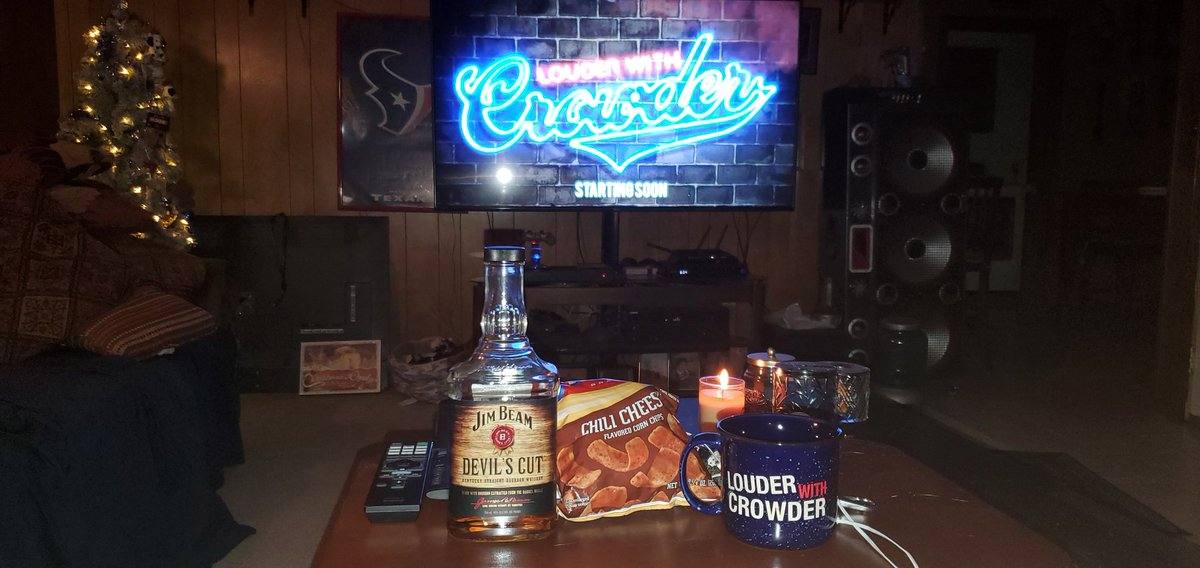 @scrowder Had a big late lunch. So some snacks and sipping on Devils Cut & watching #LWC on my new 70 4k tv for the first time. So its gonna be a big show... for me at least.😉 #mugclub #mightbetobig