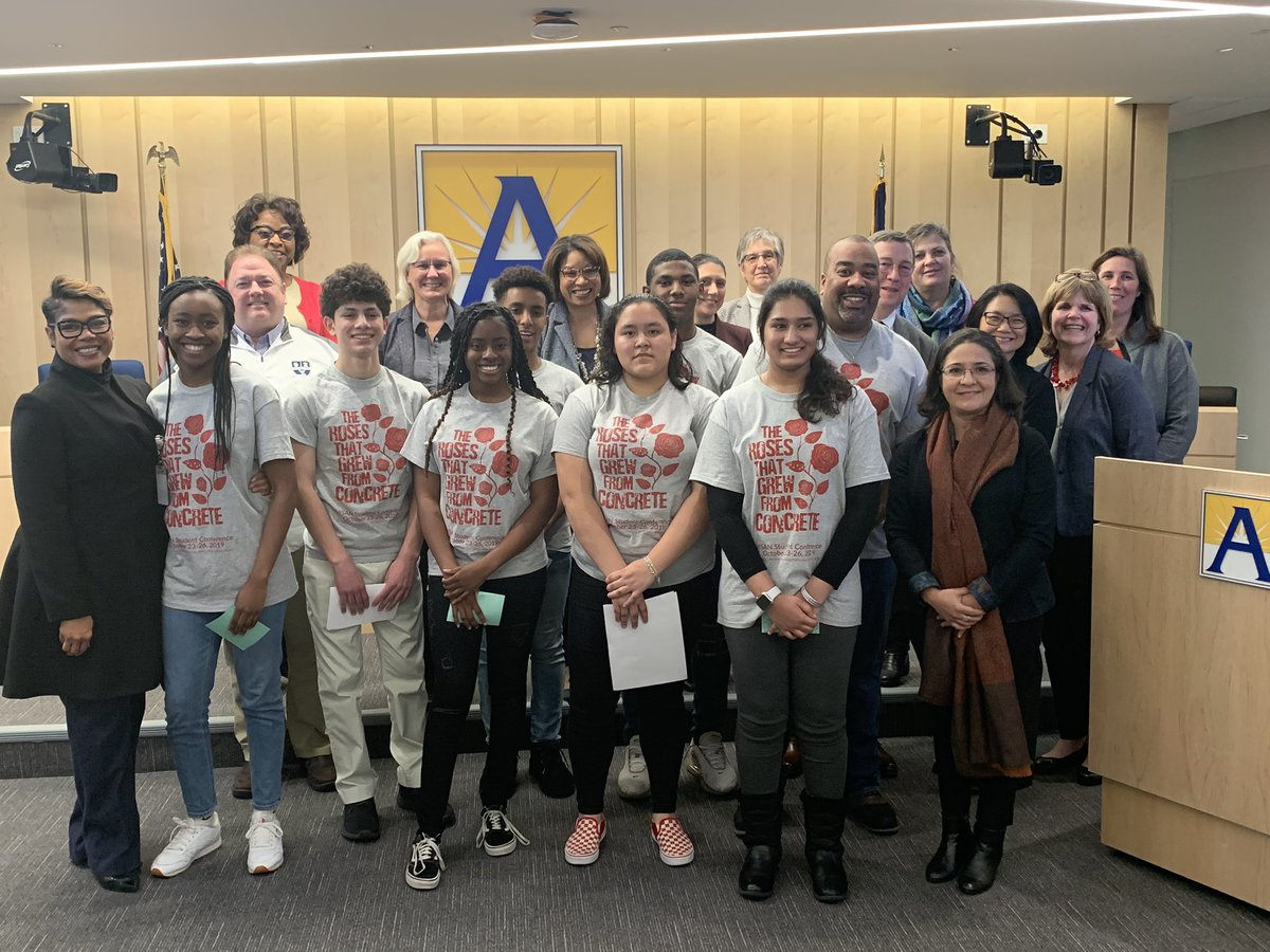 Students from <a target='_blank' href='http://twitter.com/GeneralsPride'>@GeneralsPride</a> <a target='_blank' href='http://twitter.com/WHSHappenings'>@WHSHappenings</a> <a target='_blank' href='http://twitter.com/YorktownHS'>@YorktownHS</a> <a target='_blank' href='http://twitter.com/APSCareerCenter'>@APSCareerCenter</a> and <a target='_blank' href='http://twitter.com/HBWProgram'>@HBWProgram</a> spoke about their recent trip the the annual Minority Student Achievement Network Conference in Wisconsin and how it empowered them to be leaders in the community. <a target='_blank' href='https://t.co/Bpc2OPnR5Q'>https://t.co/Bpc2OPnR5Q</a>