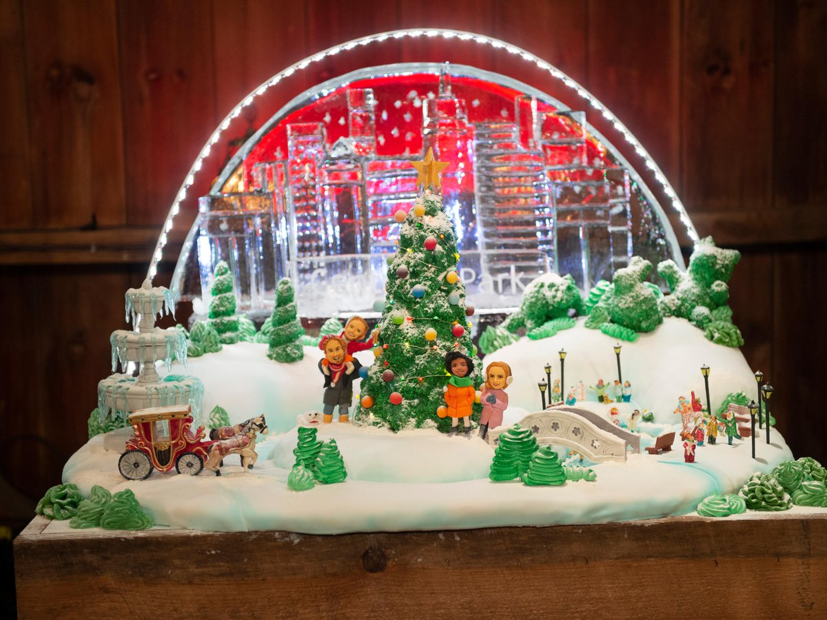 Browse the amazing cake and ice sculpture creations from last week's #SantasBakingBlizzard:  https:// foodtv.com/2YvyP4d     .  A new episode is coming up next!  Find more holiday inspiration on the #FoodNetworkKitchen app:  https:// food-network.app.link/2NsjwuC6a2     !<br>http://pic.twitter.com/pcwByi0Sbi