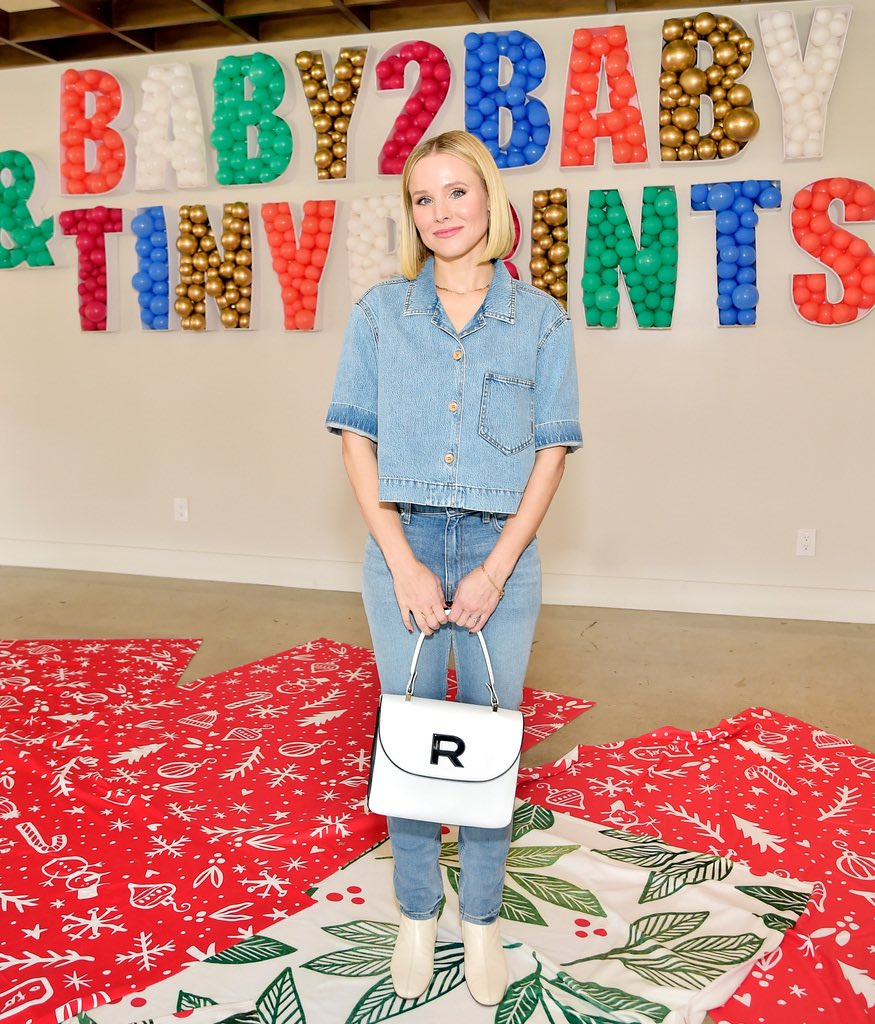 BEST DAY EVER! Today we teamed up with @TinyPrints to throw a magical holiday celebration for the Baby2Baby kids! Thank you to our Angel @KristenBell for hosting the festivities and to our friends at Tiny Prints for helping us give the children we serve the most special day! https://t.co/mHTgsgLyNf