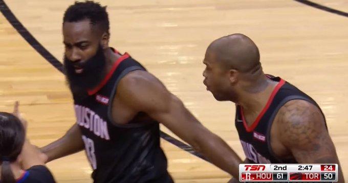 【影片】關公面前耍大刀!Lowry假裝被對手撞擊太浮誇,哈登瞬間懷疑人生!-Haters-黑特籃球NBA新聞影音圖片分享社區