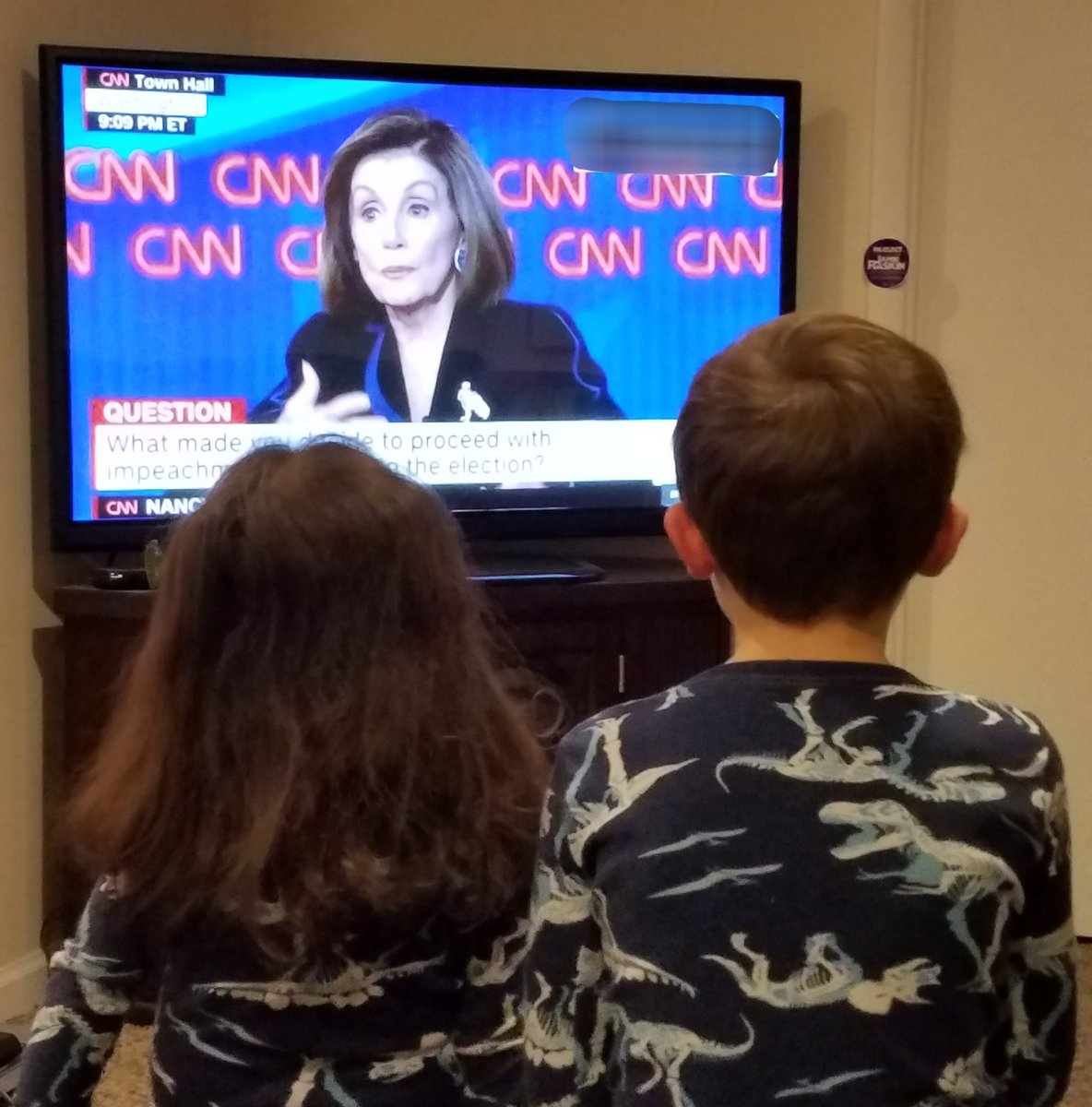 Teaching the kids about leadership and patriotism   #PelosiTownHall  #DontMessWithNancy <br>http://pic.twitter.com/uuvkgSYeF7
