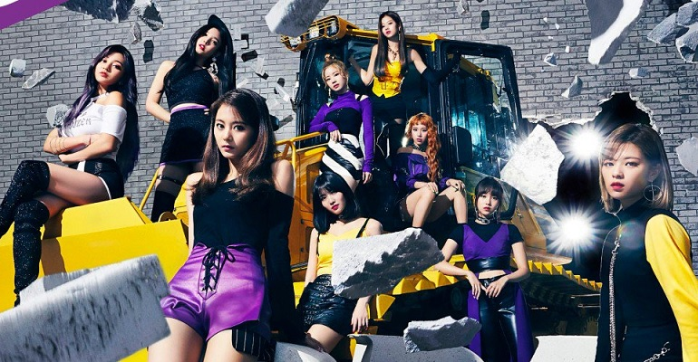 .@JYPETWICE ranked #5 on Billboard JAPAN TOP Artist of the Year 2019, being the girl group in the highest position! <br>http://pic.twitter.com/KEJtk2JvdM