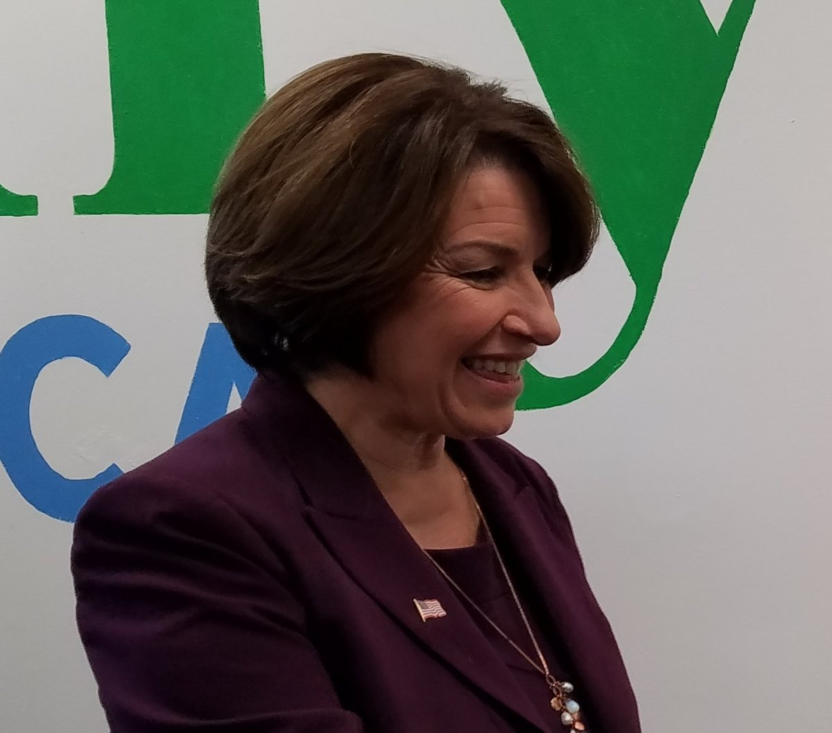 Did you know...  Amy Klobuchar picked the top-notch University of Chicago Law School because it offered her the best financial aid package.   #AmyForAmerica #Election2020 #TheSenatorNextDoor @amyklobuchar #KHive #ShesMyPresident #Klobucharmy