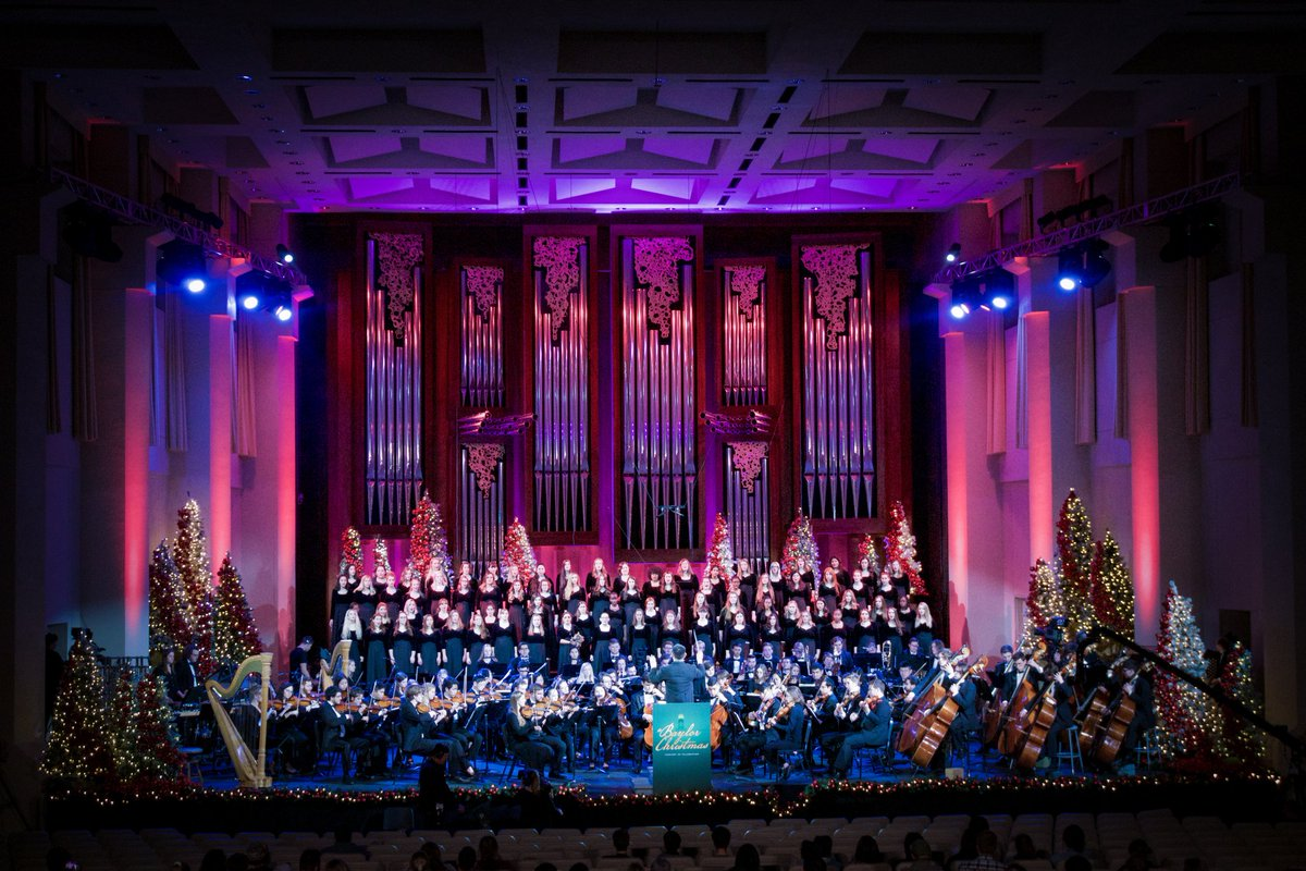 First concert is in the books!  We look forward to seeing you Friday and Sunday #aBaylorChristmas #baylormusic #baylor #wacotexas #classicalmusic #choralmusic #choir #musiceducation #sicem #baylor #music #instamusic #orchestra #waco #baylorbears #symphonypic.twitter.com/bbs62VqtaQ