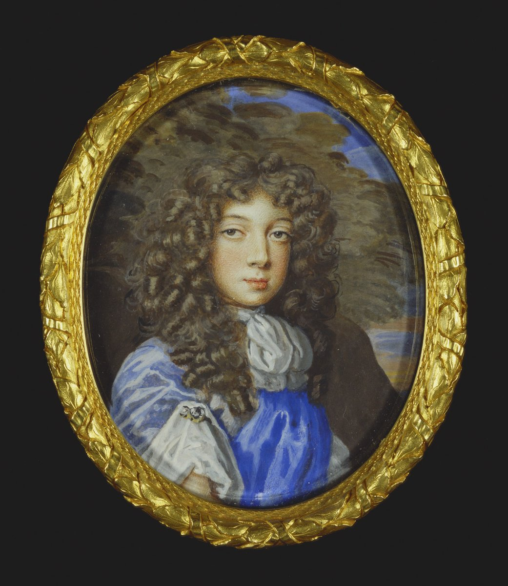 Day 6 of The Seventeenth Century Lady's #17thCentury Advent Calendar  Behind today's door is a miniature portrait of an unknown youth 1680-90 by Nicholas Dixon (1660-1708). Who was he? What was his story? The Royal Collection Trust. #KeepItStuart<br>http://pic.twitter.com/GsRwbPhelU