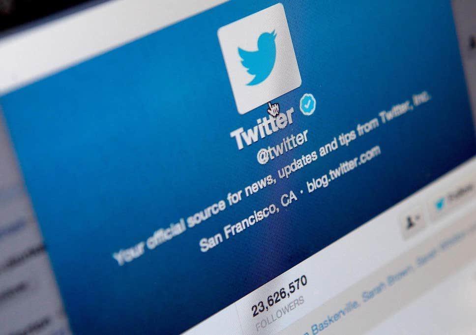 بدأت تويتر بإرسال بريد إلكتروني لمالكي الحسابات غير النشطة مع تحذير مفاده أن عليهم أن يقوموا بإعادة تسجيل الدخول إلى تلك الحسابات بمهلة أقصاها يوم 11 ديسمبر/كانون الأول لهذا العام أو سيتم حذف الحساب بشكل نهائي، وسيصبح اسم المستخدم لتلك الحسابات قابلة للاستعمال من قبل شخص آخر