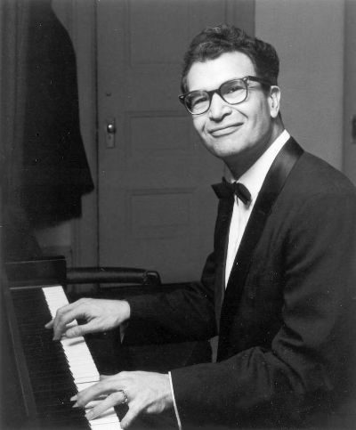 Dave Brubeck born on this day 1920<br>http://pic.twitter.com/X66uLt4oQW