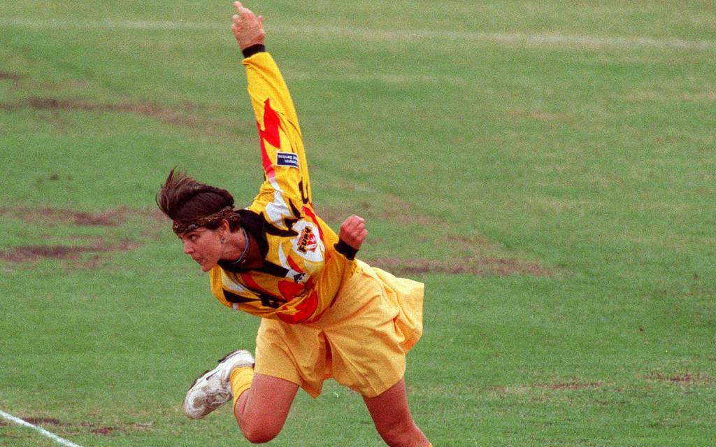 🏏 12 Tests, 65 ODIs☝️ 84 international wickets🏆 World Cup winner in 1988 and 1997Happy Birthday to one of Australia's finest fast bowlers in women's cricket, Zoe Goss 🎂
