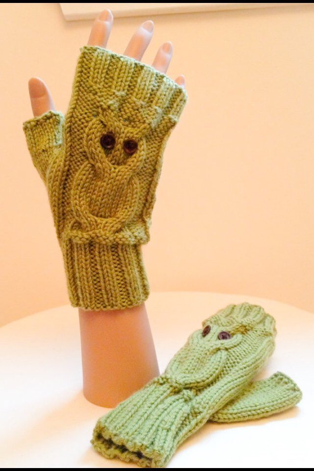 Original Knitting Pattern for Cabled Fingerless Gloves -Sizes Teens-Adults 0017