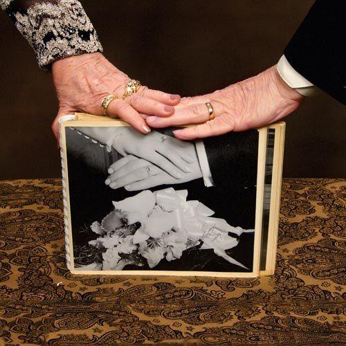Ver  👍👍👍💍 Anillos de Boda de 50 Aniversario #boda #anillosdeboda #amor https://anillosdebodaweb.com/50-aniversario/ ⬅⬅💖💍💍 Llegar a quincuagésimo aniversario del matrimonio, merece una celebración a lo grande, pomposa y  ..