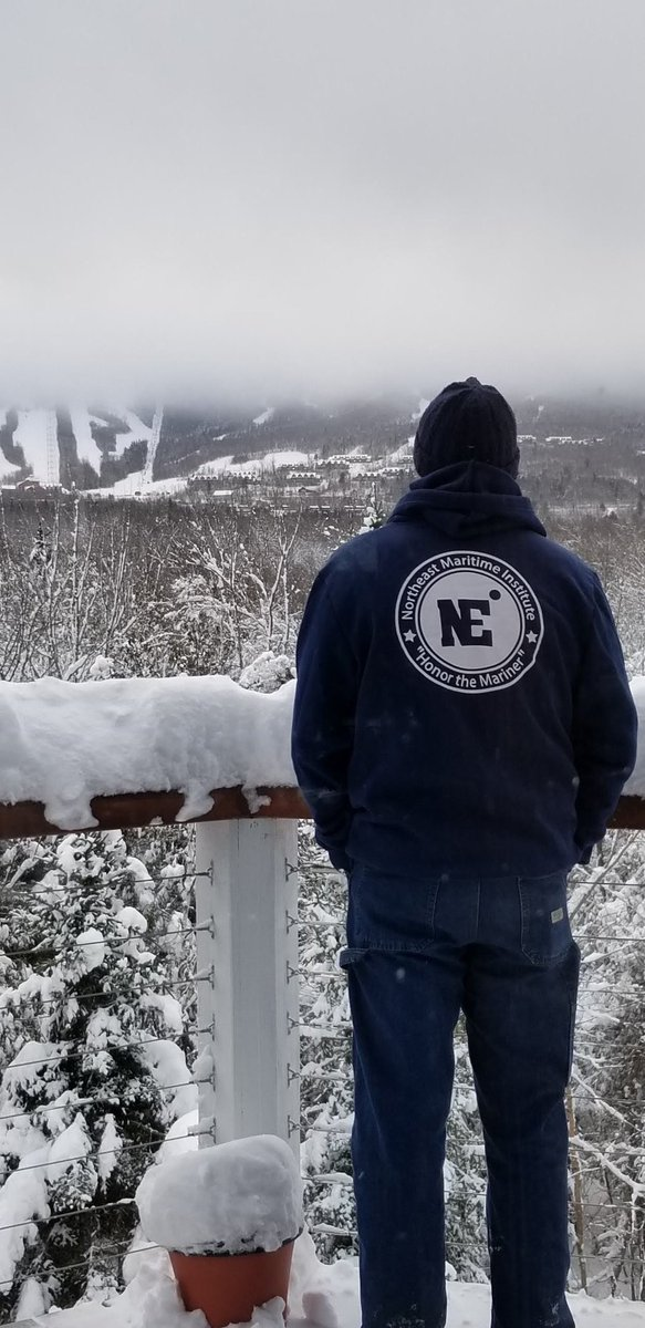 We love to see our College of Maritime Science students wearing our new gear when they go home! One of our students brought #NMI to Sugarloaf Mountain over Thanksgiving break.If you're looking for a sweatshirt just like his, visit https://squareup.com/store/NMIOnlineStore…! #honorthemariner