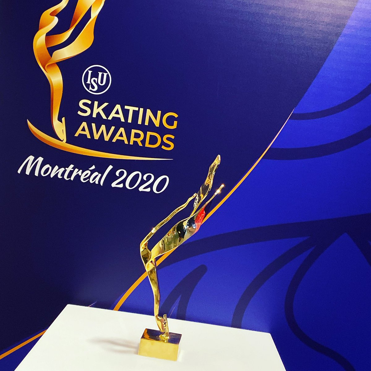 Who will be getting their hands on one of these at the end of the season?  #Montreal2020  #WorldFigure  #GPFigure #SkatingAwards <br>http://pic.twitter.com/yE3WIJBtZA – à Palavela Patinoire
