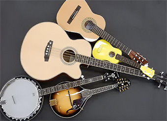 The Sun Life Musical Instrument Lending Library is a collection of instruments (guitars, ukuleles, bongos, violins, and more) that can be borrowed for free with a valid library card.  https://www. torontopubliclibrary.ca/services/borro w-a-musical-instrument.jsp   … <br>http://pic.twitter.com/dmQ1RKCL3j