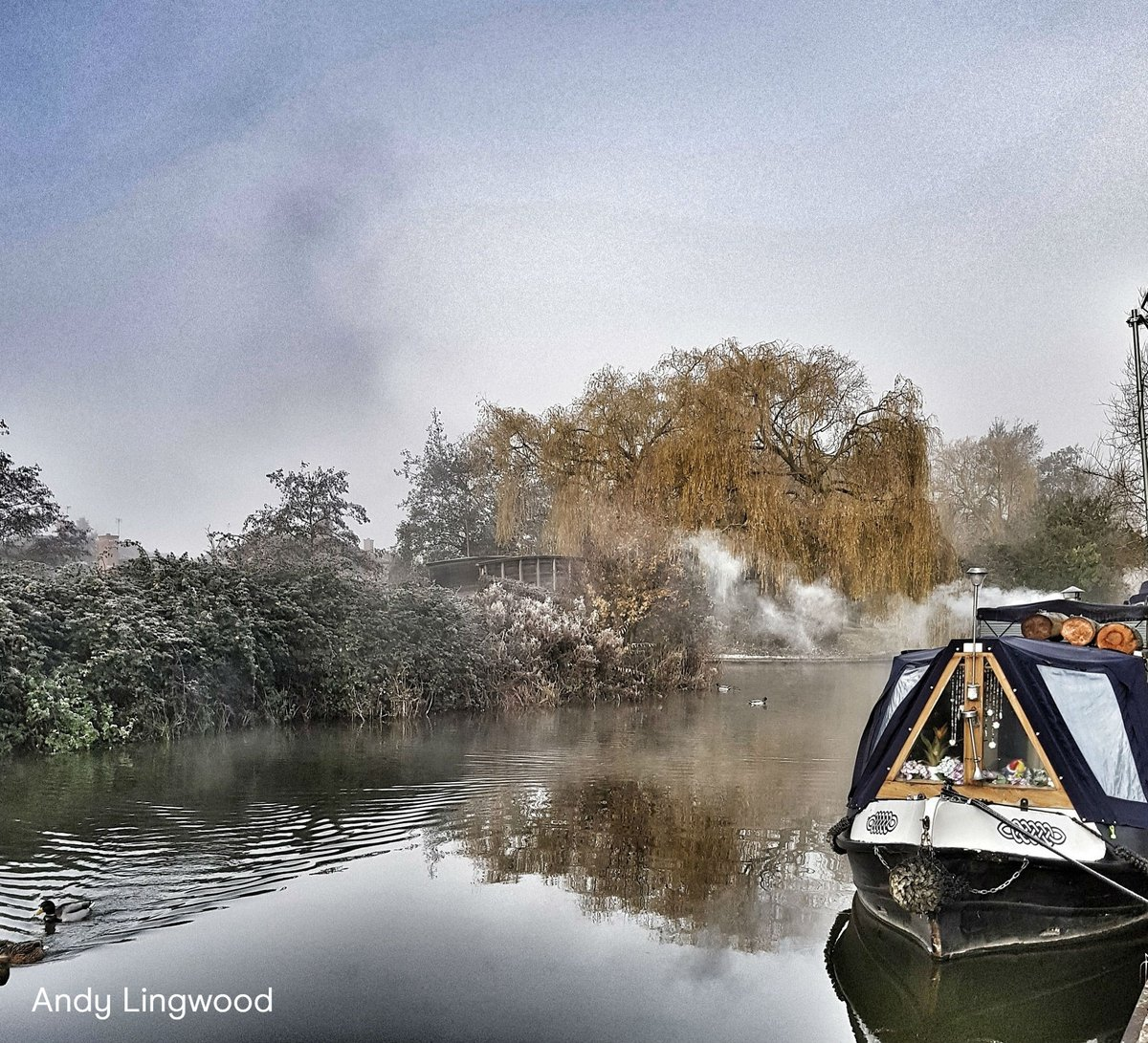 @CanalRiverTrust's photo on Happy Friday Everyone