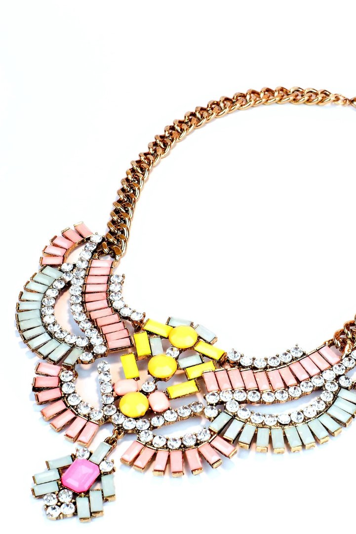 #Goals achieved! #TGIF! It's been an #amazing week! Our cyber #sale is still on this #weekend, so make sure to take a peek at beauties like this #gold #vintage #bibnecklace with #gorgeous #bubblegum #rhinestones! Limited stock!  #necklace #style #jewelry