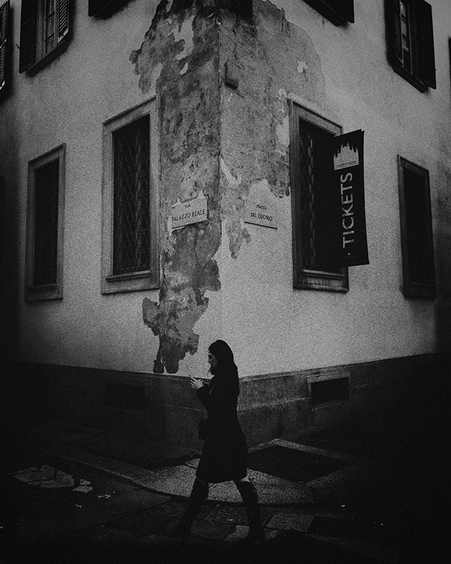 Walking in Milan - November, 2019 . . .  #structure #antique #person #old #city #town #bw_lover #vintage #home #exterior #style #building #scene #telephone #architecture #wall #urban #dark #ancient #travel #black #silhouette #people #streetphotography #s…