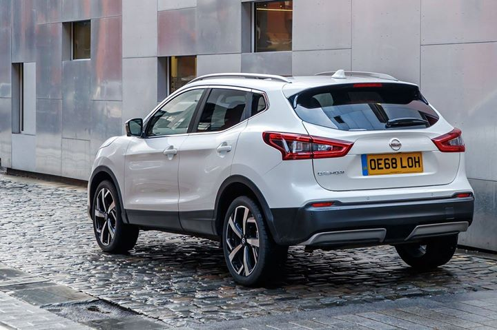 The #Nissan #Qashqai has built in Intelligent Parking Assist which makes those smaller spots a breeze! #Follow the link now to #view our current #offers  #Scotland #News #RT #FF #FollowME #AutoFollow #SoUGoFollow #相互フォロー  #EU #Music