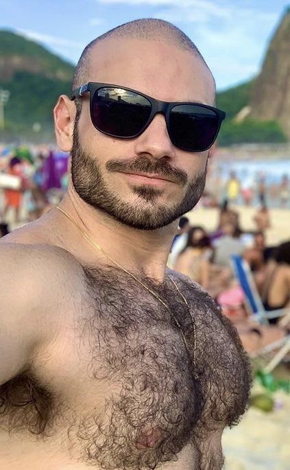 Ah kıyamam sen kimin kocasının de bakalım 🤗😅  #hairymen #hairychest #maçoerkek #gaychat #gaysohbet #gayarabul #aktifgay #aktifistanbul