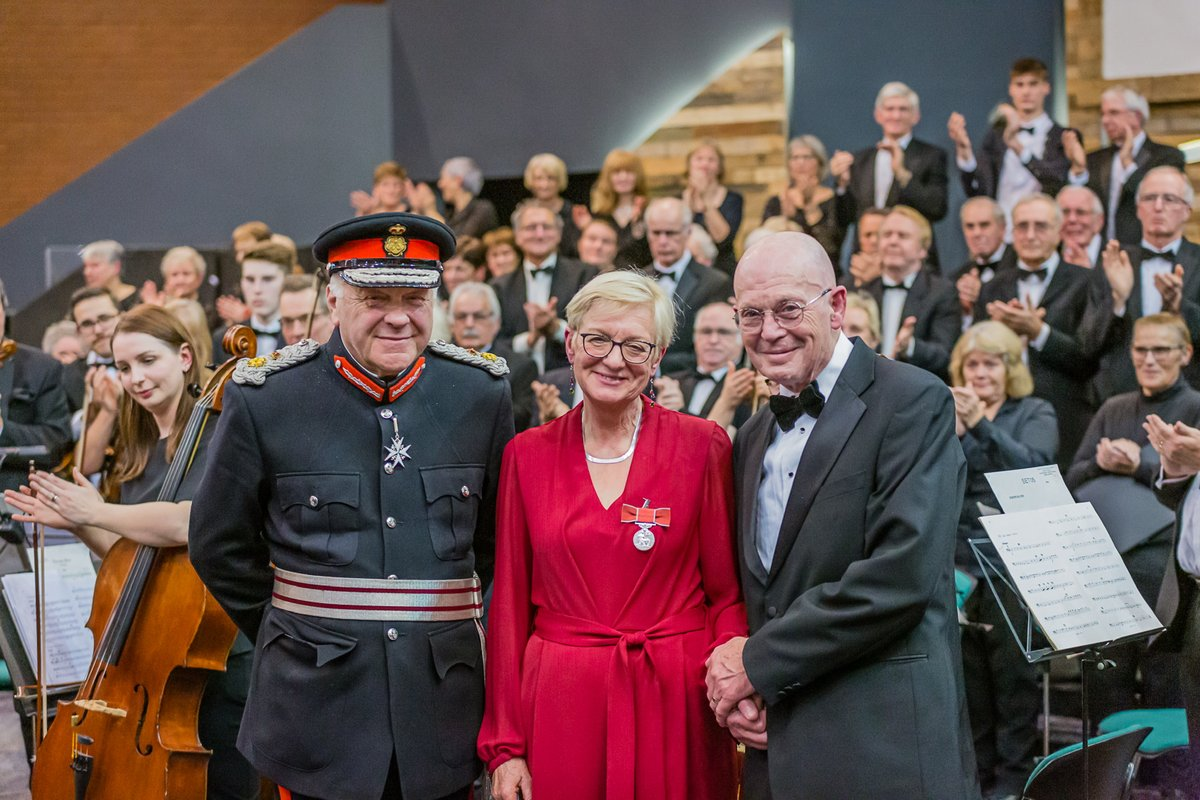 On Saturday, a North Lincolnshire resident received the British Empire Medal, awarded by the Lord Lieutenant. Susan Hollingworth has worked for 35 years to establish and support a thriving choral community in Scunthorpe. Congratulations, Susan! #ThisIsNorthLincs <br>http://pic.twitter.com/q6EowIEIAu