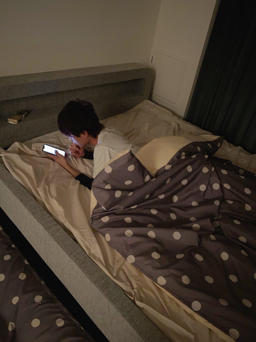 仕事おわって家に帰ったらゆんのベッドで男の人が寝てたんだが😨😨💥心臓とまりかけた......って、思ったら弟じゃん!!!!!