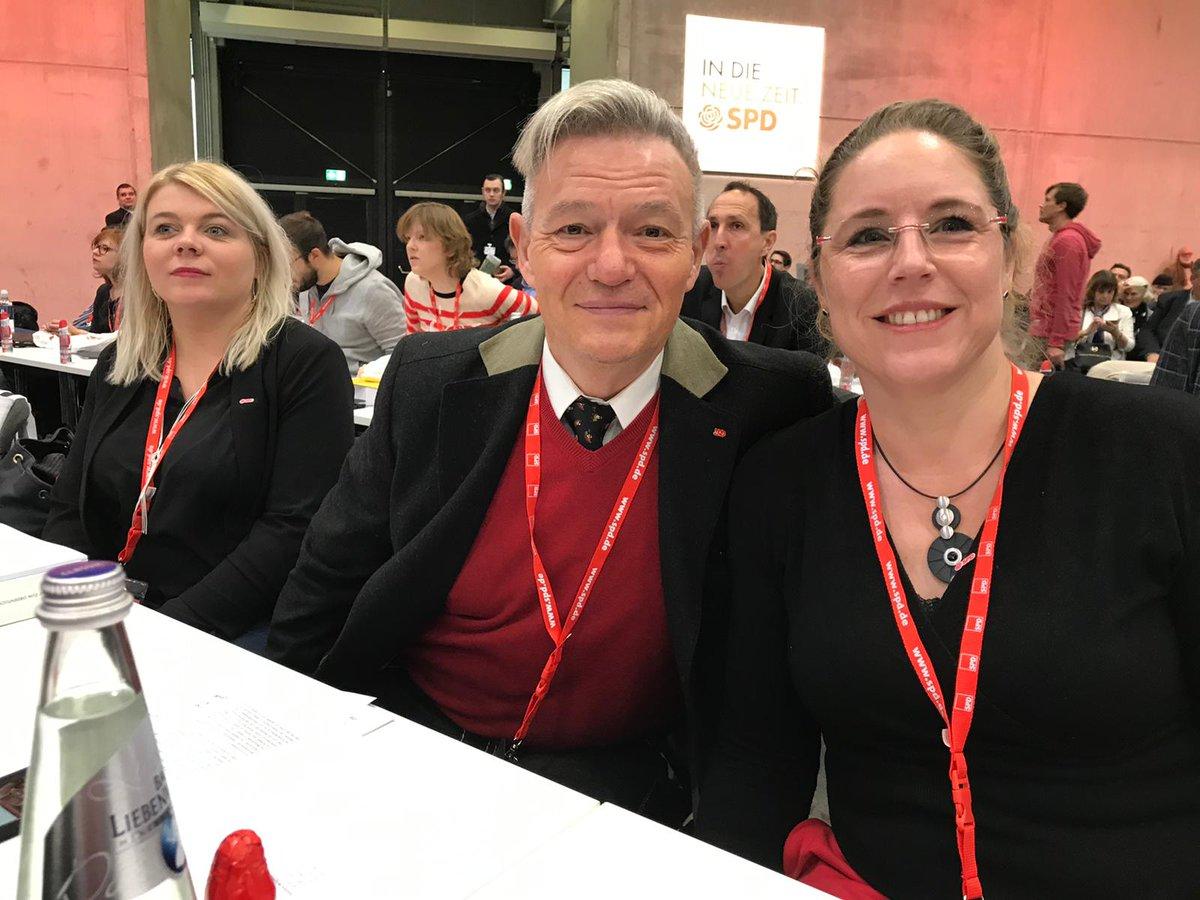Frankenpower mit @KataAN77 und Marlen Larin aus Ammerndorf. #SPDbpt19 #NeueZeit #unsereSPD #ZukunftbeginntvorOrt pic.twitter.com/X6GRvDjfFF