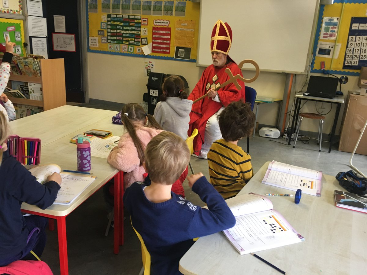 test Twitter Media - Es ist Nikolaustag! It's St. Nicholas Day! As is the tradition in Germany, St. Nicholas is visiting our youngest pupils, making sure they have been well behaved all year. #nikolaus #germantraditions https://t.co/N5rsdBT8FO