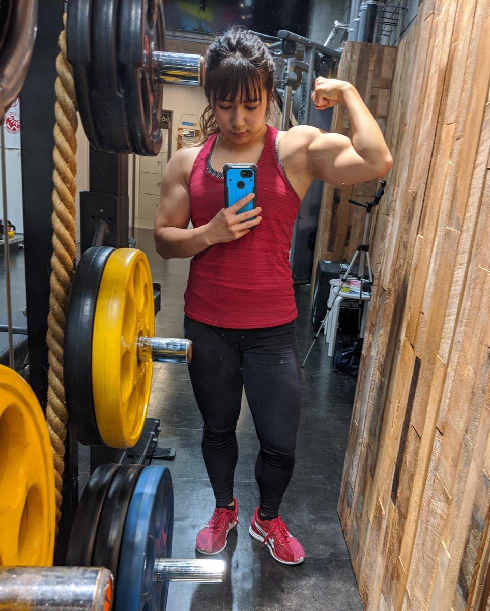 写真を撮った時の…「盛れたあ〜♥️」巷の女子の場合▶顔が可愛く撮れた♥️筋肉女子の場合▶筋肉が大きく撮れた♥️