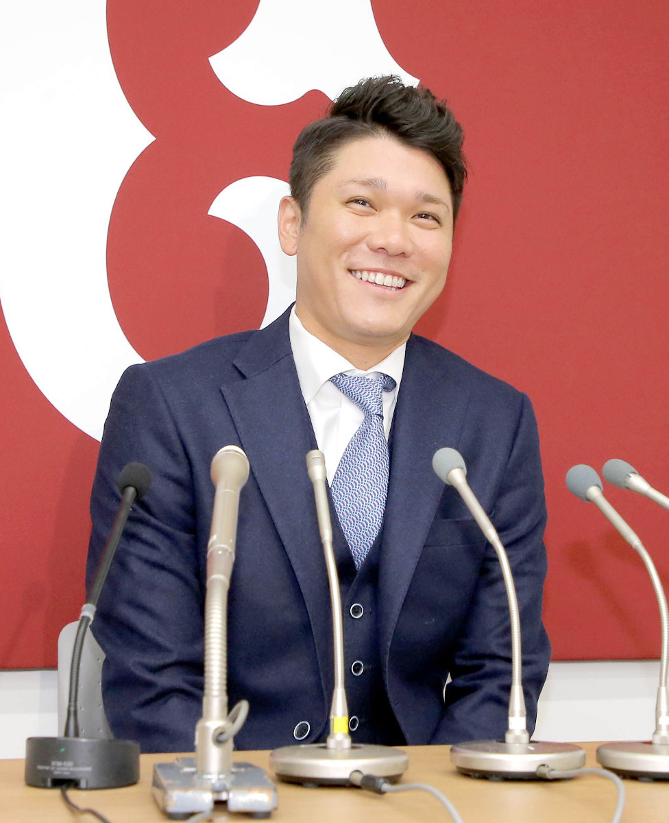 坂本勇、昨季から5年の大型契約だった 現状維持の5億円で契約更改  #巨人 #ジャイアンツ #giants