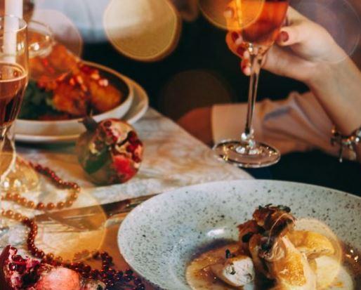 Natale a tavola. Gli italiani spenderanno più dei...