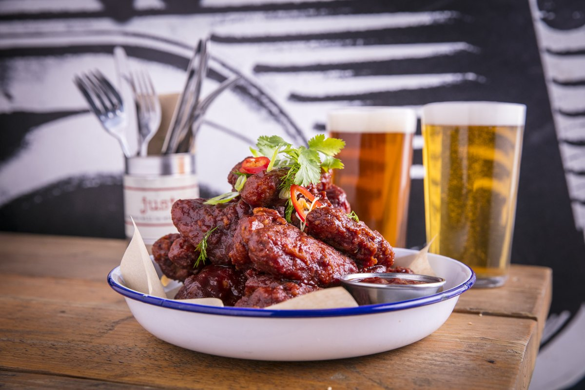 Fancy a plate of our hot spicy wings but want to stay in the warm? Order us on Deliveroo! Have your favorite flavours delivered right to your door!   #wings #hotandspicy #deliveroo #lunch #stayin #farringdon #london #lazybones