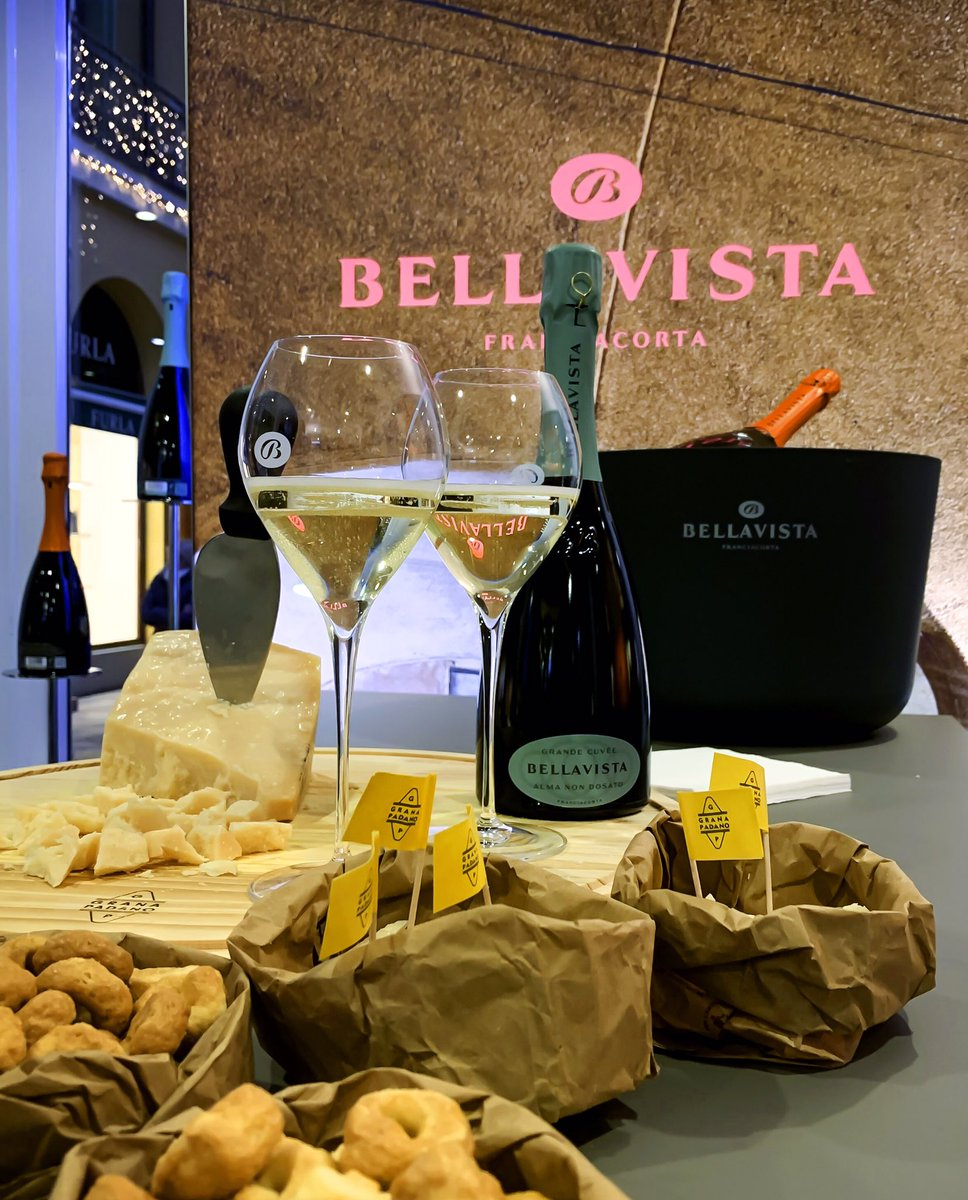 """#Shopping di #Natale? Ora anche il #wineandfood """"griffato"""" sperimenta i #temporarystore: solo per le #Feste, nuovi #popupstore con #enoteca #bistrot, per degustazioni e non solo, dedicati al #Franciacorta @BellavistaVino e una #boutique gourmet per @SaviniTartufi @FidenzaVillage https://t.co/wRpTVspHug"""