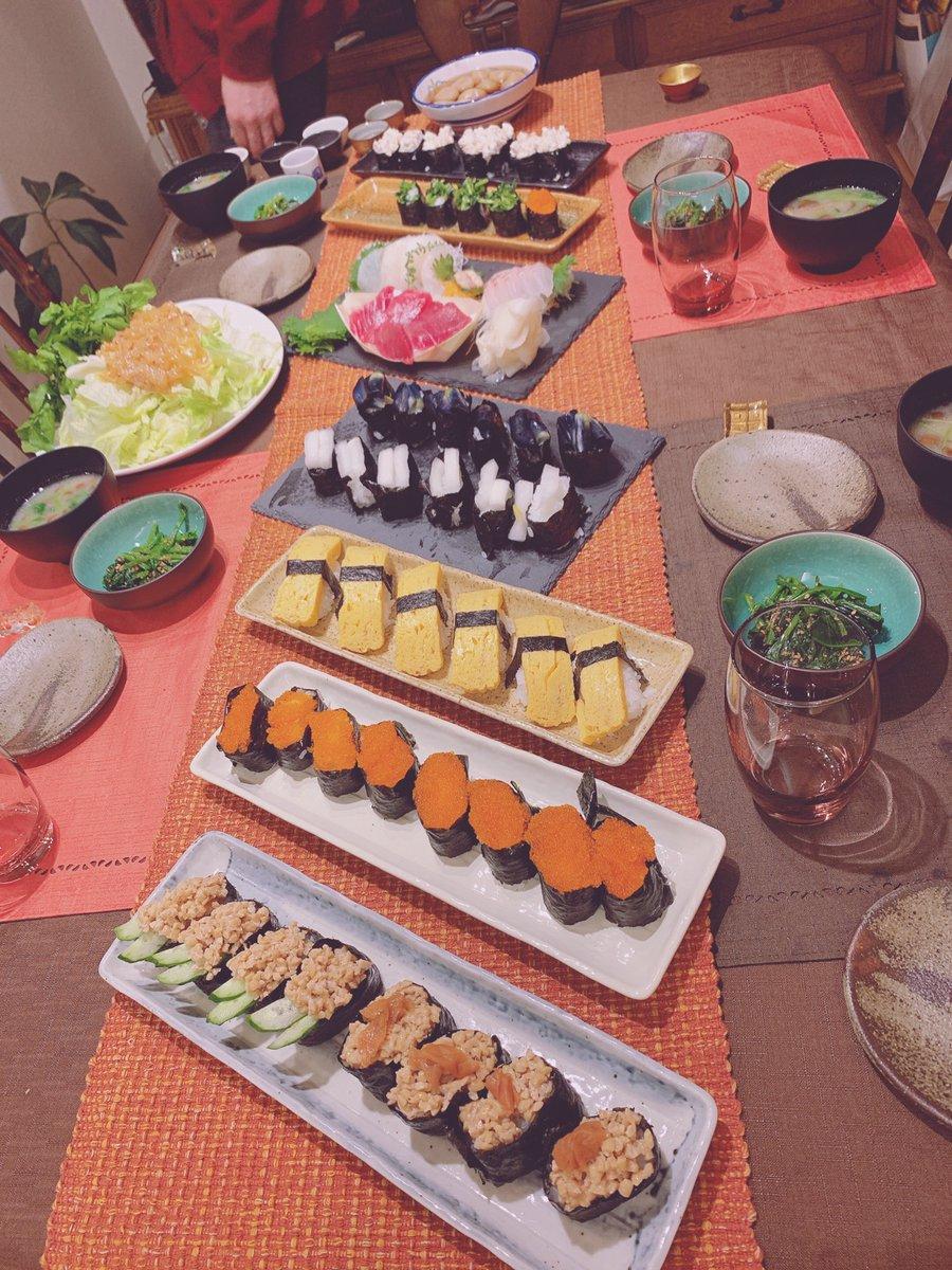 【10期11期 Blog】 6 佐藤優樹chan: 今日は父の誕生日ーーーーーーもぉ〜あんな年になってしまった笑笑三女とははの手作りご飯でっせ父おめでとうーーばぁーい  #morningmusume19