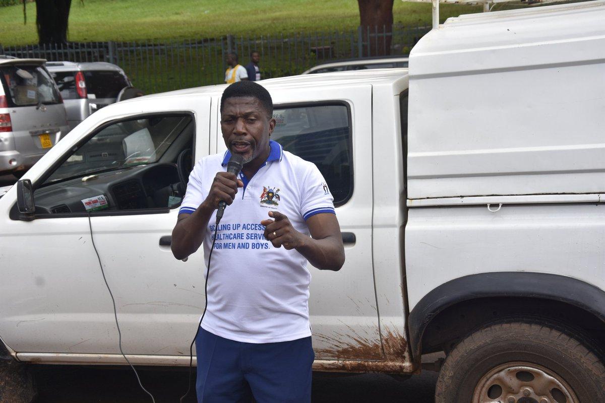 Ronald the mayor of Nakawa advises men to be more active in matters affecting there communities, health and families. @RHUganda @SonkeTogether @MenEngageUganda #16DaysOfActivism #InternationalMensDay