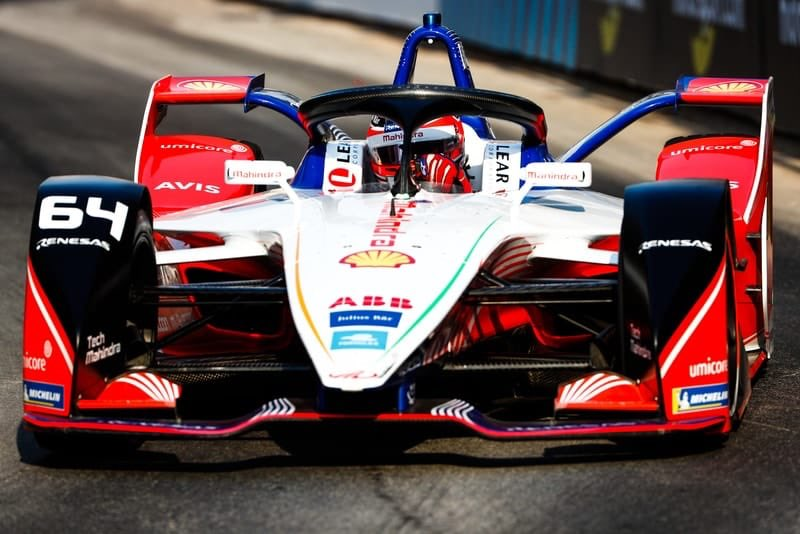 After finishing ninth in the first race in Diriyah, @thereal_JDA is the only driver to have scored points in five of the six #FormulaE season openers. https://t.co/9hvKSqvQT6