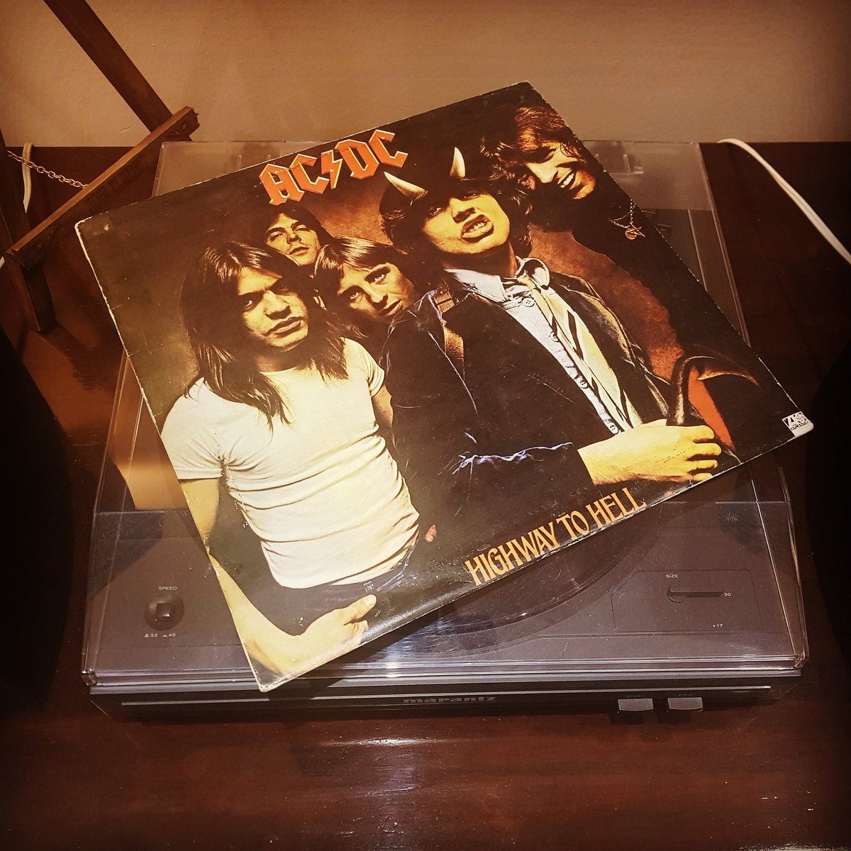 A wild #album, for a wild week! - #ACDC #HighwayToHell #Rock #HardRock #AussieRock #Vinyl #LP #Record #RecordCollection #RecordAddict #VinylCollector #VinylAddict #VinylCollection #VinylCollectionPost #LPCollectionpic.twitter.com/t1wyNBamkP