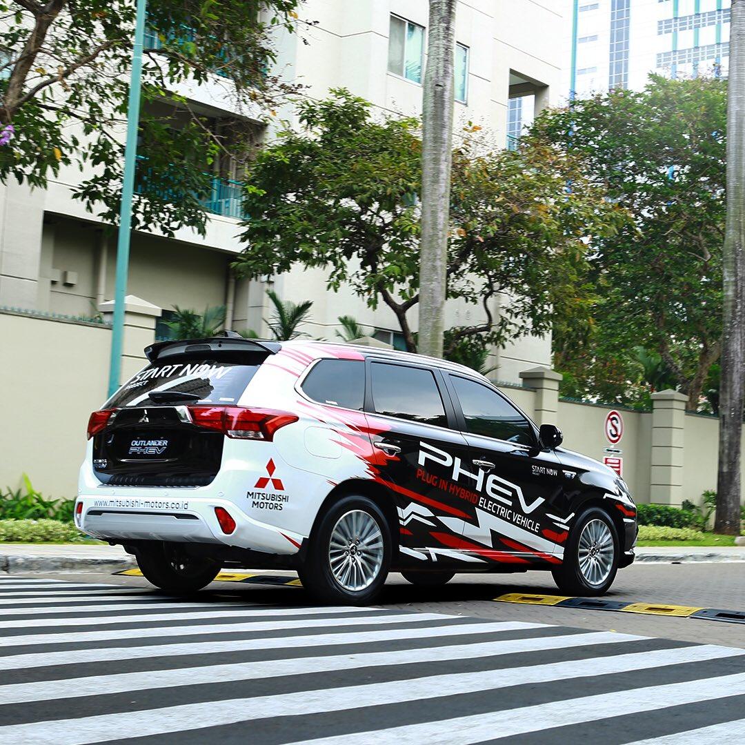 #FunFactPHEV! Selain ramah lingkungan, Mitsubishi Outlander PHEV ternyata juga punya sistem keamanan yang baik lho! Outlander PHEV berhasil meraih bintang 5 NCAP dengan poin 87,61.  #MitsubishiMotors
