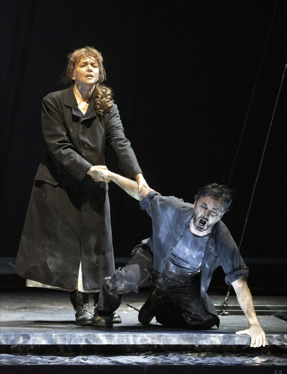 «Spanish tenor #AlejandroRoy, a pupil of Fedora Barbieri, was much celebrated last summer at @festivalpuccini as Ramérrez and later debuted as Calàf at the @MetOpera...(1/2)  #IlTabarro #Puccini #TirolerLandestheater pic.twitter.com/3B3pYKVpm8