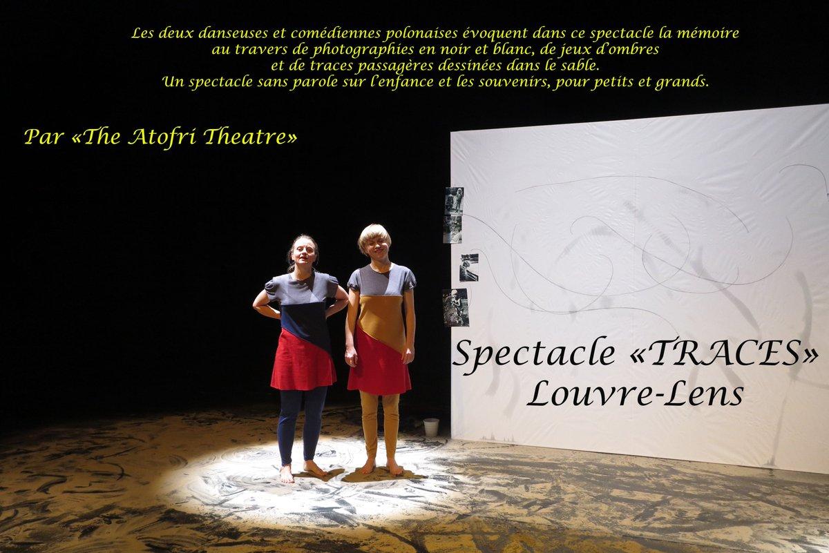 """Dernière représentation demain Samedi 7 à 11h à la scène du Louvre-Lens. N'hésitez pas à y aller avec vos petits enfants, ils seront ravis de participer à la fin du spectacle, et de """"laisser leurs traces"""" -  #louvrelens #expoPologne #lascène"""