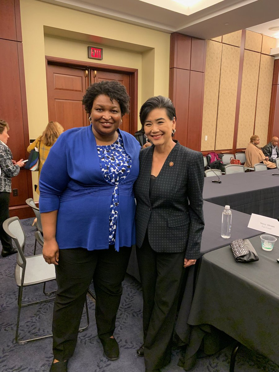 The #2020census determines how much representation we have and how many resources we receive. And so it is vital that EVERYBODY be counted. Nobody knows the need for a #completecount better than @staceyabrams, and we were lucky be w/ her last night to talk census outreach <br>http://pic.twitter.com/100ccrqliK