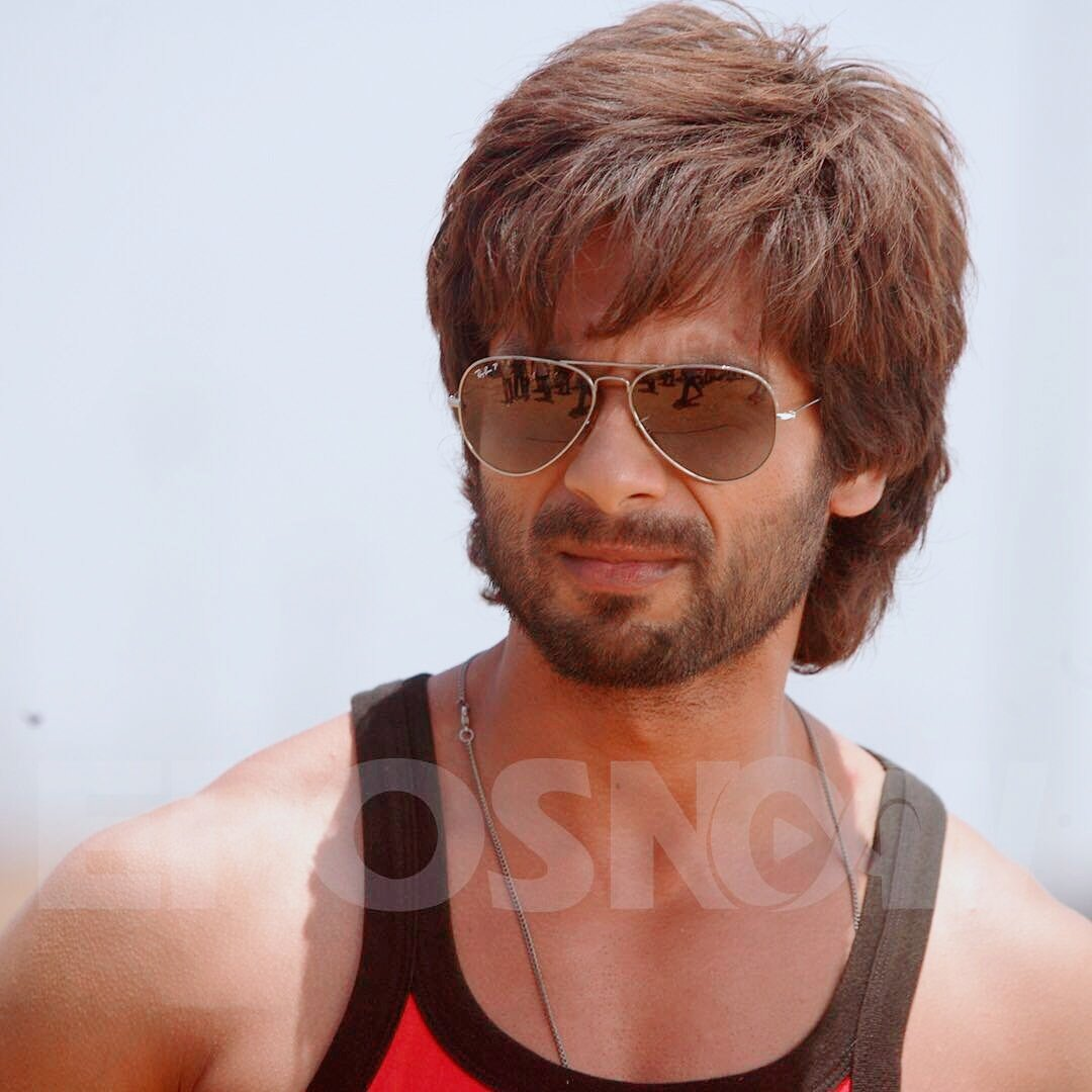 #6YearsOfRRajkumar One of My Favourite  @shahidkapoor  #movie<br>http://pic.twitter.com/ONzc8a1VHs