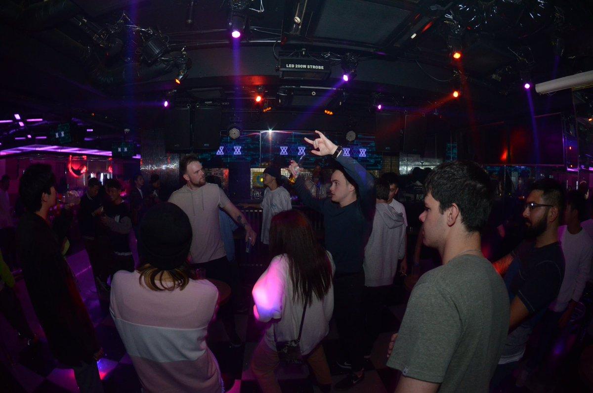 毎週金曜日の3F LANDフロアは「Touch」!最先端のHouse, Electro等のダンスミュージックを始め、オシャレな選曲で朝まで楽しんでいきましょう‼️#kitsune_kyoto #kyoto #nightclub #party #House #techno #Friday #華金 #JPNIGHT