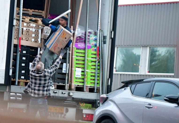 test Twitter Media - Elf Nederlandse drugssmokkelaars opgepakt die transportbedrijf als dekmantel gebruikten 🇳🇱 #Nederland #荷兰 #drugs #Noorwegen https://t.co/n83Z1LLIsp https://t.co/SpztGEj6T1
